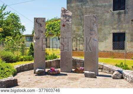 Cesta, Slovenia - July 10 2020. A Commemorative Memorial Near The Village Of Cesta In Primorska, Wes
