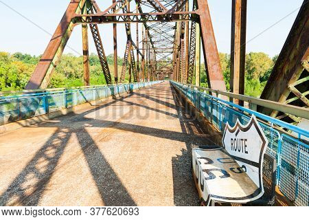 Missouri Usa - September 3 2015;  Old Chain Of Rocks Bridge With Route 66 Sign Seat On Route 66 St L