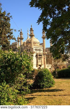 Brighton Pavilion And Garden, Uk, 2020.  The Pavilion Is Located In The City Of Brighton And Is Open