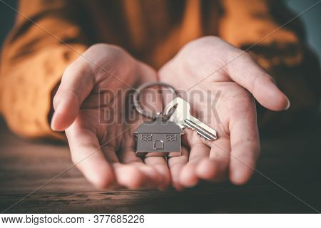 Holding House Keys Concept, House Keys For New House, New House Purchase