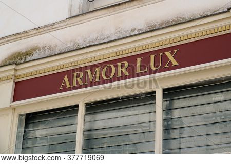 Bordeaux , Aquitaine / France - 07 21 2020 : Armor Lux Sign Text Logo On French Shop Boutique Fashio