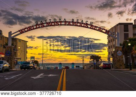 Daytona Beach, Florida, Usa - January 9, 2020 : Daytona Beach Welcome Sign Stretched Across The Stre