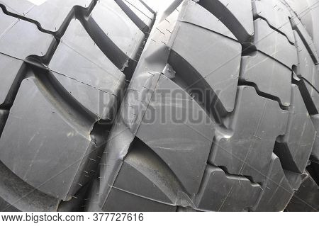 Car Tire And Tyre Tread