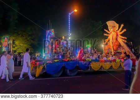 Kolkata, West Bengal, India - 3rd October 2017 : Durga Puja Carnival On Red Road At Night, All Famou