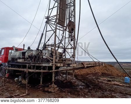 Drilling Rig For Oil And Gas Well Drilling. Drilling Rig For Oil And Gas Well Drilling.