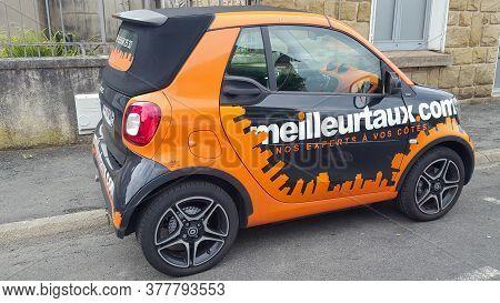 Bordeaux , Aquitaine / France - 07 21 2020 : Meilleurtaux.com Sign Logo Meilleur Taux .com On Agency