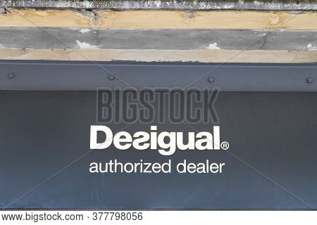 Bordeaux , Aquitaine / France - 07 22 2020 : Desigual Authorized Dealer Logo And Text Shop Sign Span