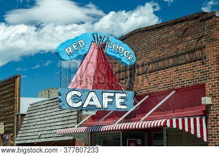 Red Lodge, Montana - July 2, 2020: Vintage Neon Sign For The Red Lodge Cafe, In The Summer