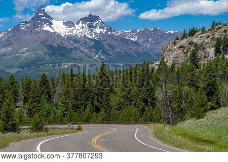 Highway 212, Also Known As The Beartooth Highway Mountain Pass In Wyoming And Montana