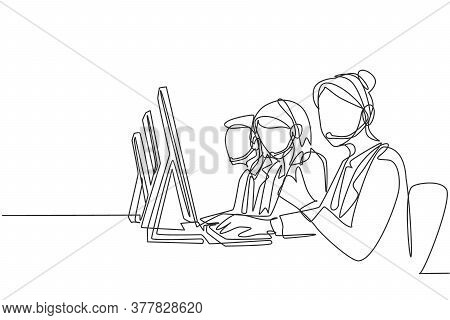 One Continuous Line Drawing Group Of Male And Female Telemarketing Team Members Calling New Customer