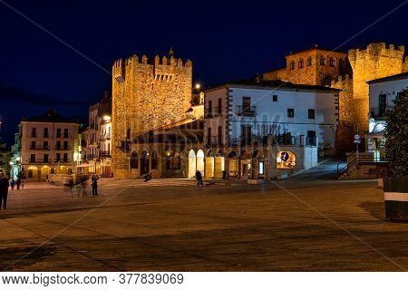 Caceres, Spain - November 08, 2019: Bujaco Tower, Torre De Bujaco At Night In Caceres Main Square, E