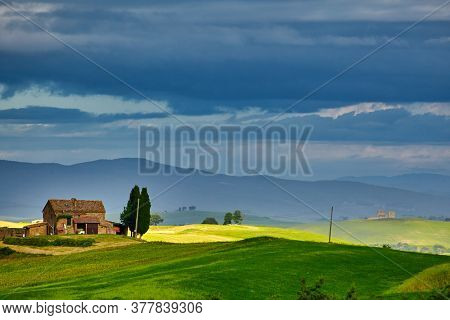 Tuscan old farmhouse in Italy