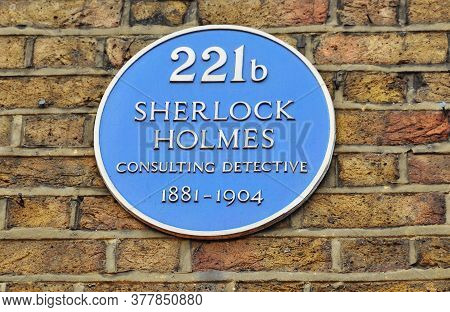 London, Uk - Circa April 2017: Plate With Sherlock Holmes Name On Baker Street 221b