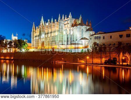 Cathedral Of Santa Maria Of Palma (la Seu) At Night, Palma De Mallorca, Spain