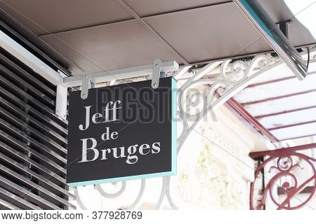 Bordeaux , Aquitaine / France - 07 22 2020 : Jeff De Bruges Logo And Text Sign Of Shop Chocolaterie