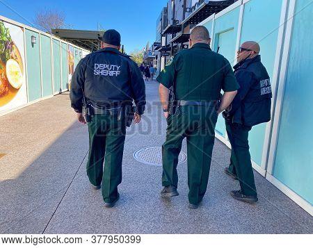 Orlando,fl/usa-2/29/20:  Deputy Sheriff Officers Patroling An Shopping Area In Orlando, Fl.