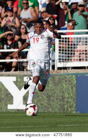 PASADENA, CA - JULY 7: Alberto Quintero #19 of Panama during the 2013 CONCACAF Gold Cup game between Mexico and Panama on July 7, 2013 at the Rose Bowl in Pasadena, Ca.