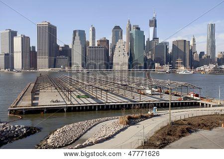 Manhattan midtown skyline.