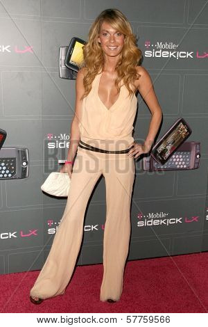 Jasmine Dustin  at the T-Mobile Sidekick LX Launch Party. Paramount Studios, Hollywood, CA. 05-14-09