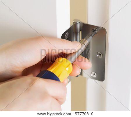Fixing Door Hinge