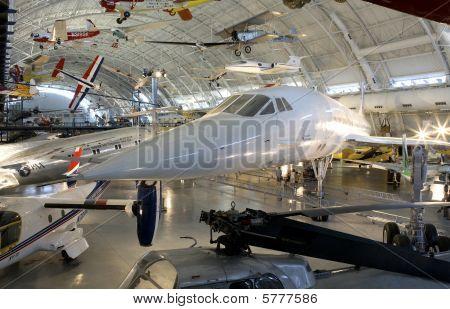 Concorde tillsammans med andra flygplan