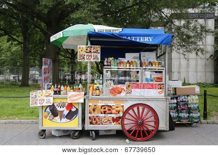 Street vendor cart in Manhattan