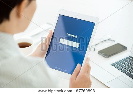 Facebook Login On Apple Ipad Air