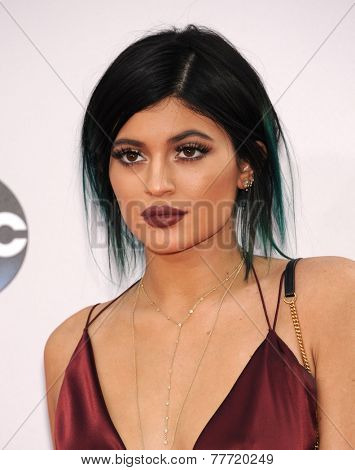 LOS ANGELES - NOV 23:  Kylie Jenner arrives to the 2014 American Music Awards on November 23, 2014 in Los Angeles, CA