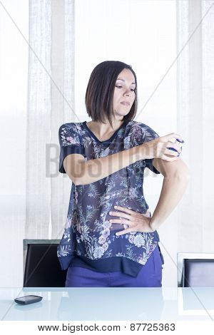 Girl Is Applying The Sensor.