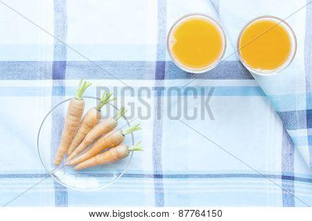 Carot Juice And Fresh Baby Carots