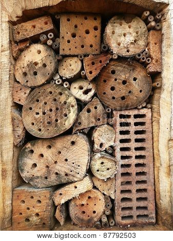 Details of a wild bee hotel