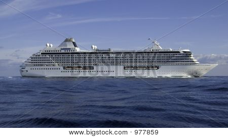 Cruise Ship Crystal Serenity