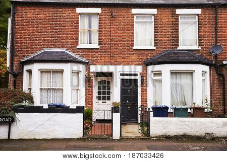 OXFORD/ UK- OCTOBER 26 2016: Exterior Of Victorian Terraced Houses In Oxford