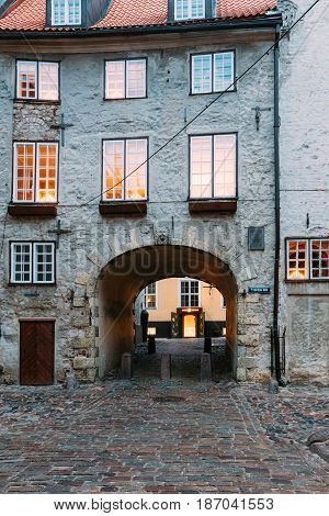 Riga, Latvia - December 13, 2016: Swedish Gate Gates Is A Famous Landmark. Old Arch Of Swedish Gate In Original State On Troksnu Street In Old Town. Cultural Monument.