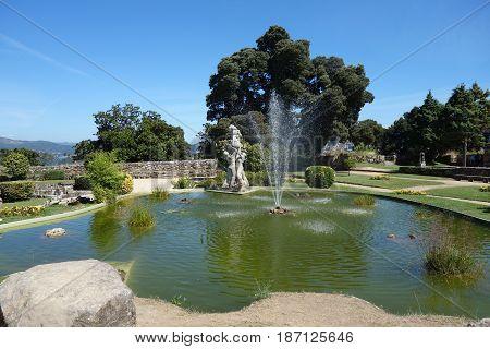 Castelo do Castro image of the fountain