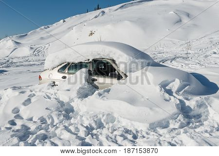Car Get Struck In Snow During Winter