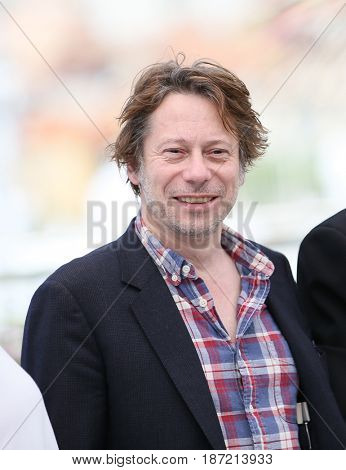Mathieu Amalric attends the 'Ismael's Ghosts (Les Fantomes d'Ismael)' photocall during the 70th annual Cannes Film Festival at Palais des Festivals on May 17, 2017 in Cannes, France.