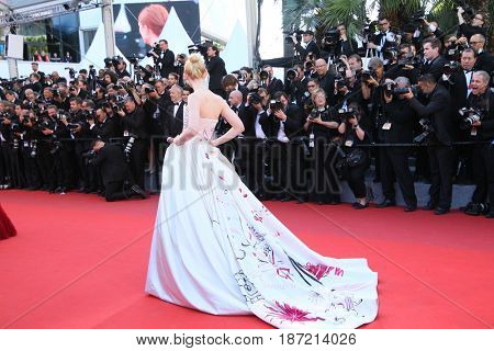 Elle Fanning attends the 'Ismael's Ghosts (Les Fantomes d'Ismael)' screening and Opening Gala during the 70th annual Cannes Film Festival at Palais des Festivals on May 17, 2017 in Cannes; France.