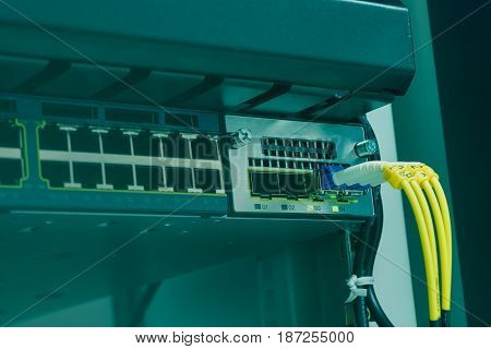 Network switch with fiber optic connecting in data center