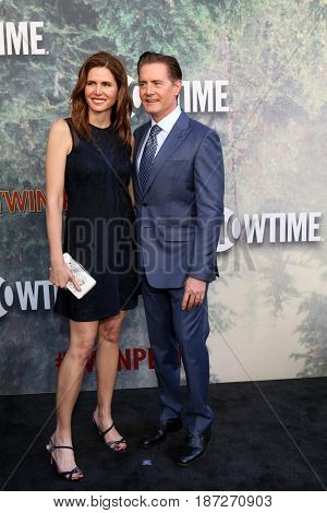 LOS ANGELES - MAY 19:  Desiree Gruber, Kyle MacLachlan at the