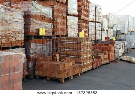 Bricks for wholesale distribution outdoors