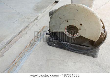 electric saw for cut metal - cut metal tool