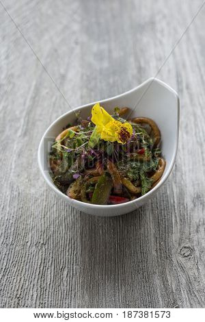 Vegetable Stir-fried Noodles In Small Bowl