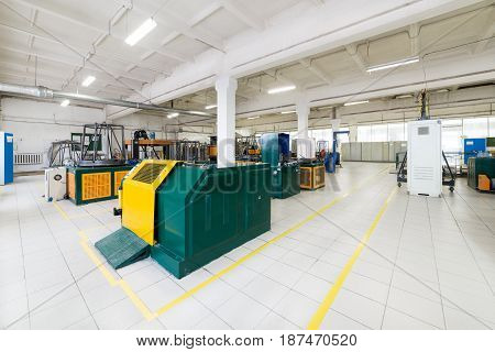 Wire drawing shop. Machines and equipment for drawing copper and aluminum wires.