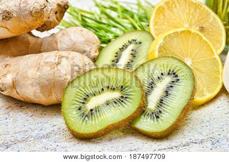 Green wheat, lemon and ginger, kiwi for a detox smoothie