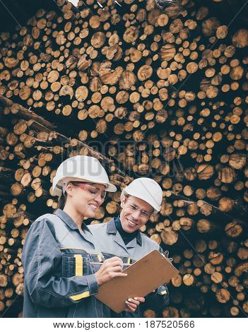 wood worker storage checking tree resource lumber