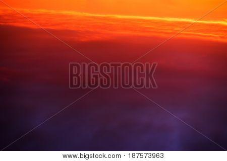 Diagonal horizon high altitude clouds background hd