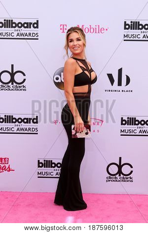 LAS VEGAS - MAY 21:  Jessie James Decker at the 2017 Billboard Music Awards - Arrivals at the T-Mobile Arena on May 21, 2017 in Las Vegas, NV