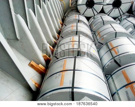 The last row of steel coil in hold