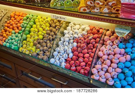 Traditional turkish delights sweets at the Grand Bazaar in Istanbul, Turkey